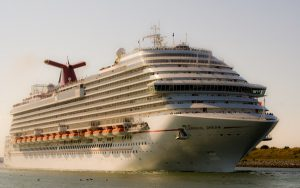 Live Cruise Ship Tracker for Carnival Dream, Carnival Cruises