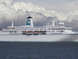 Live Cruise Ship Tracker for MS Deutschland, Phoenix Reisen Cruises