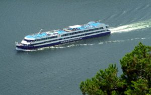 Live Cruise Ship Tracker for Douro Queen, Travelmarvel Cruises