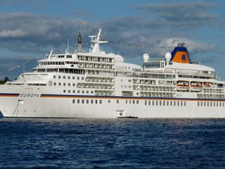 Europa Cruise Ship Tracker App, vessel tracker by name and live cruise ship positions Hapag-Lloyd Cruises