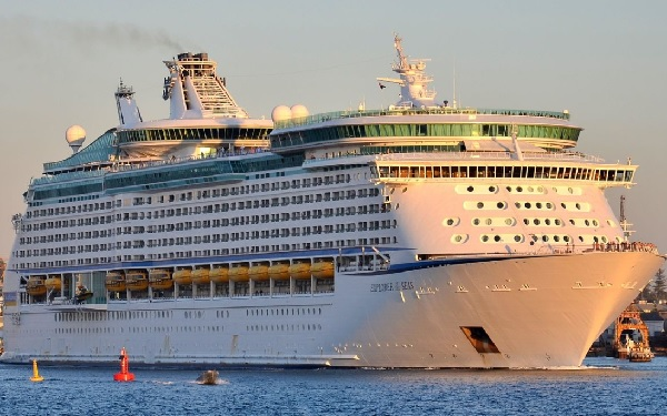 Explorer of the Seas Cruise Ship Tracker App, vessel tracker by name and live cruise ship positions Royal Caribbean Cruise Line