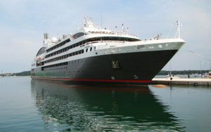 Live Cruise Ship Tracker for L'Austral, Ponant Cruises
