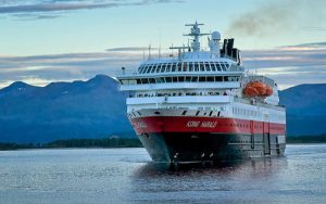 Live Cruise Ship Tracker for MS Kong Harald, Hurtigruten Cruises