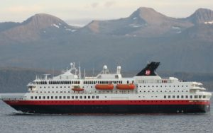 Live Cruise Ship Tracker for MS Nordkapp, Hurtigruten Cruises