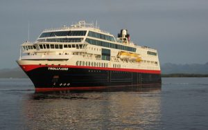 Live Cruise Ship Tracker for MS Trollfjord, Hurtigruten Cruises