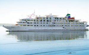 Live Cruise Ship Tracker for Pearl Mist, Great Lakes Cruise Company