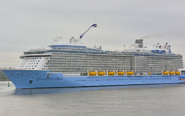 Live Cruise Ship Tracker For Quantum Of The Seas Royal Caribbean - Royal caribbean cruise ship tracker