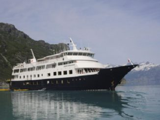 Live Cruise Ship Tracker for Safari Endeavour, Un-Cruise Adventures