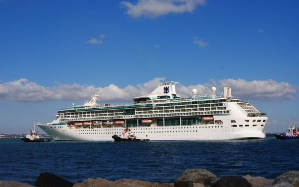 Live Cruise Ship Tracker Real Time Cruise Ship Tracking Vessel - Royal caribbean ship tracker