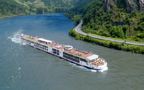 Viking Longship Delling Cruise Ship Tracker App, vessel tracker by name and live cruise ship positions Viking Cruises